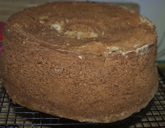 walnut-cake-cooling